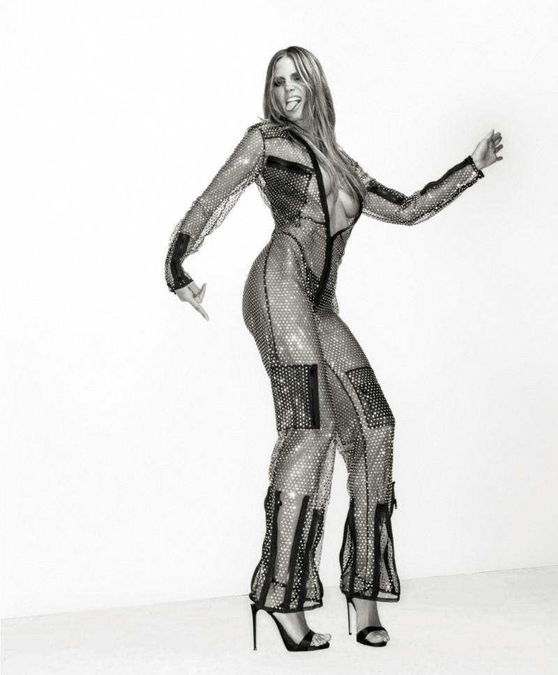 Gilles Bensimon Snaps Heidi Klum for Maxim May-June 2018 (1).jpg