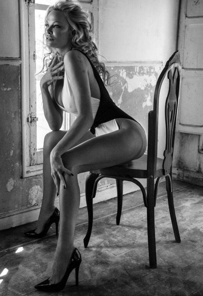 Pamela Anderson by Carmelo Redondo for Intimately Nagazube #19 (10).jpg