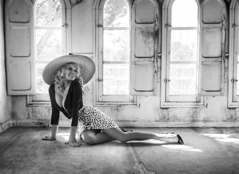 Pamela-Anderson-Fashion-Shoot06.jpg