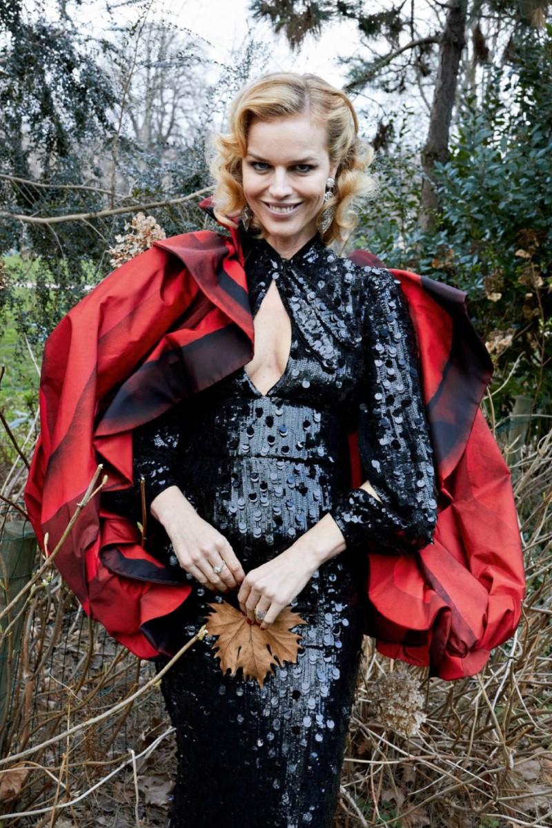 Eva Herzigova by Juergen Teller for Vogue Paris May 2018  (4).jpg