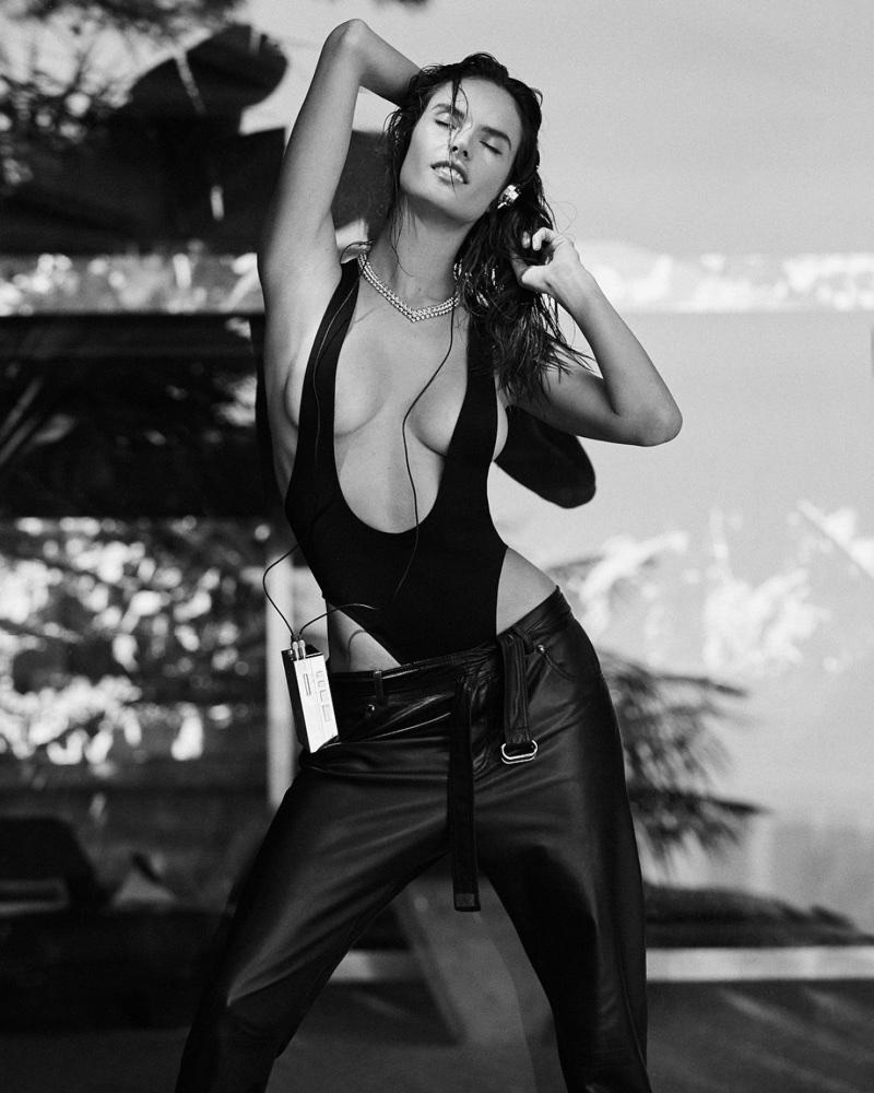 Alessandra-Ambrosio-Sexy-Photoshoot02.jpg