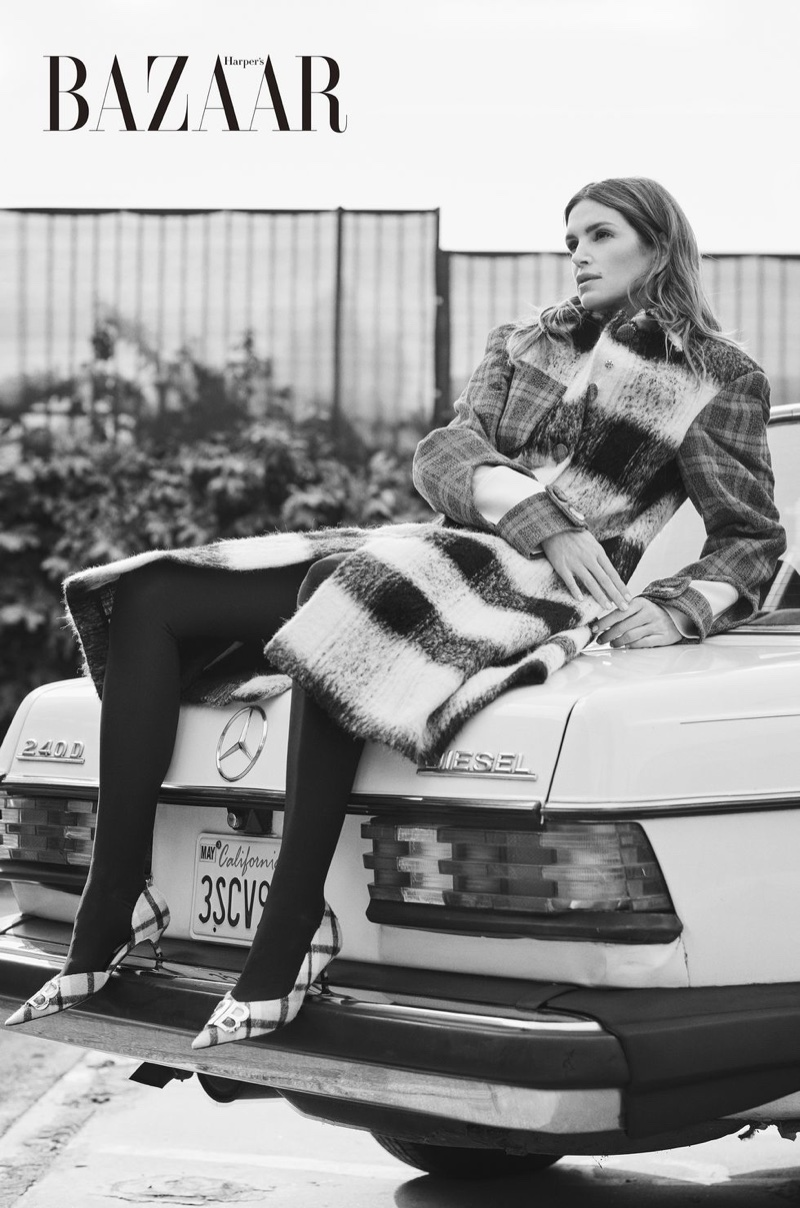 Cindy-Crawford-Harpers-Bazaar-Cover-Photoshoot02.jpg