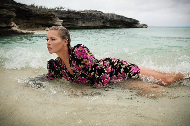 Kate-Moss-Saint-Laurent-Fall-2018-Campaign01.jpg