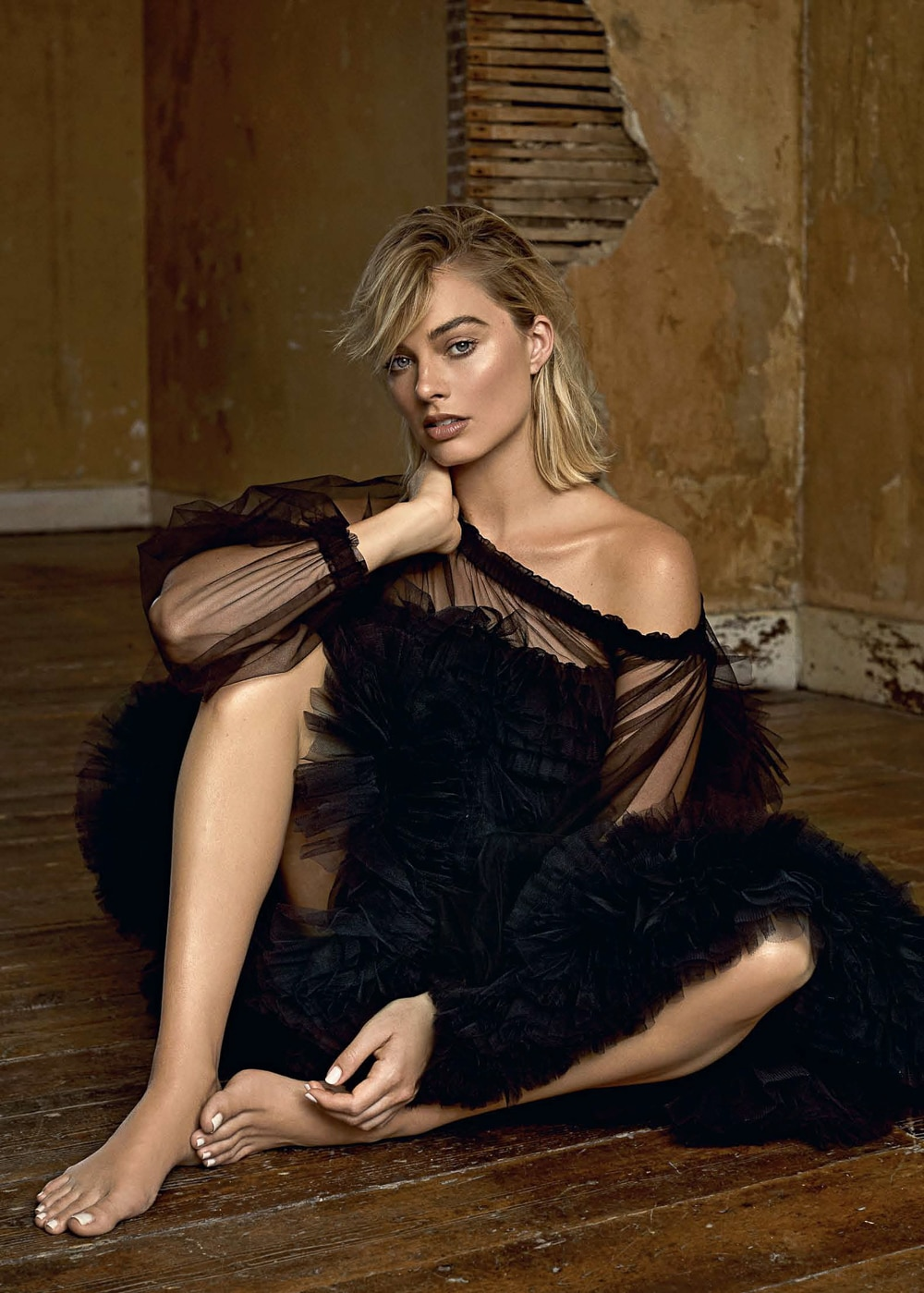 Margot-Robbie-Evening-Standard-Magazine-Max-Papendieck-6.jpg