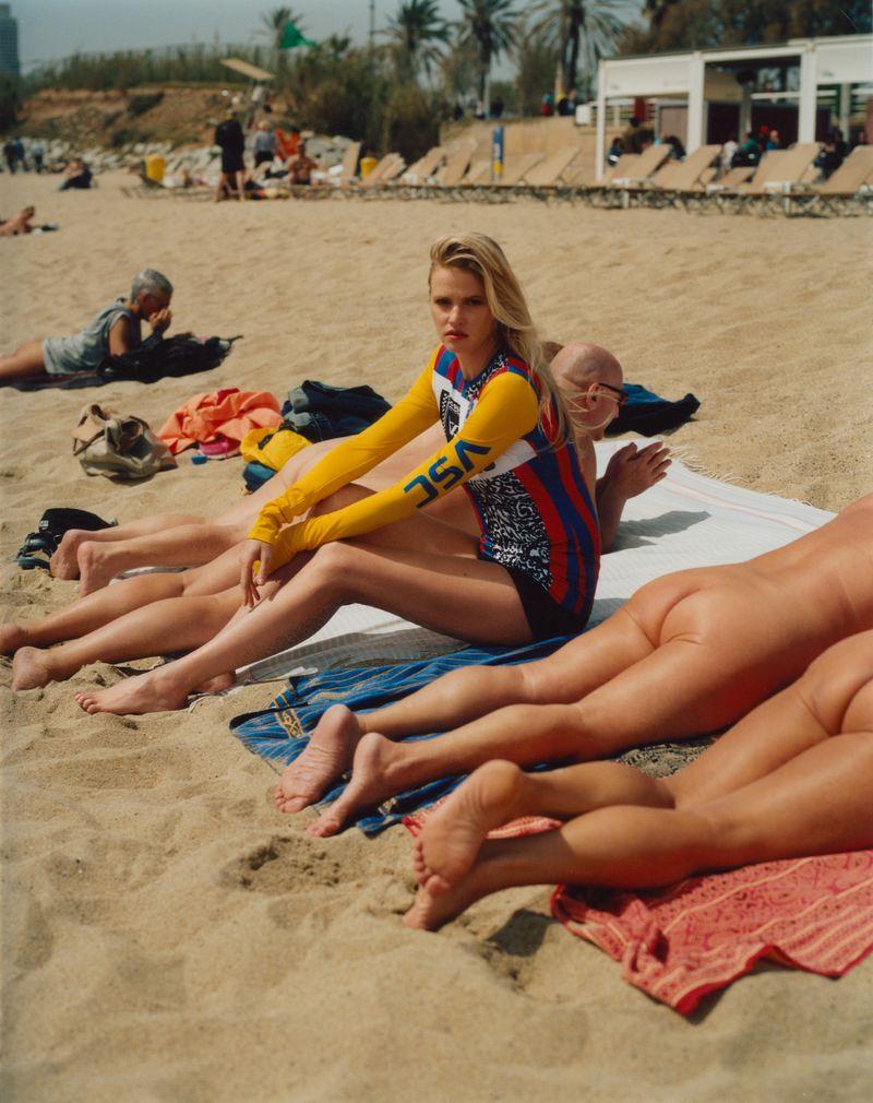 Lara Stone Elle UK On Holiday (2).jpg