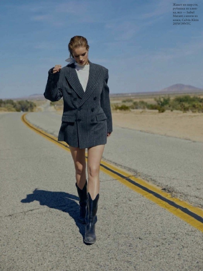Rosie Huntington-Whiteley by Kai Z Feng for Elle Russia   (2).jpg