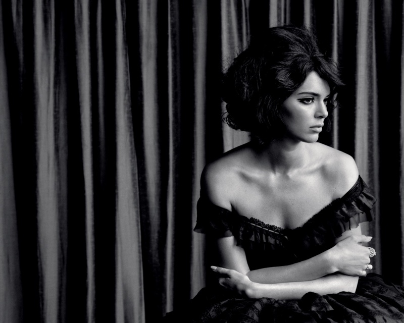 Kendall-Jenner-Alasdair McLellan for LOVE-Magazine-Cover-Photoshoot  (14).jpg