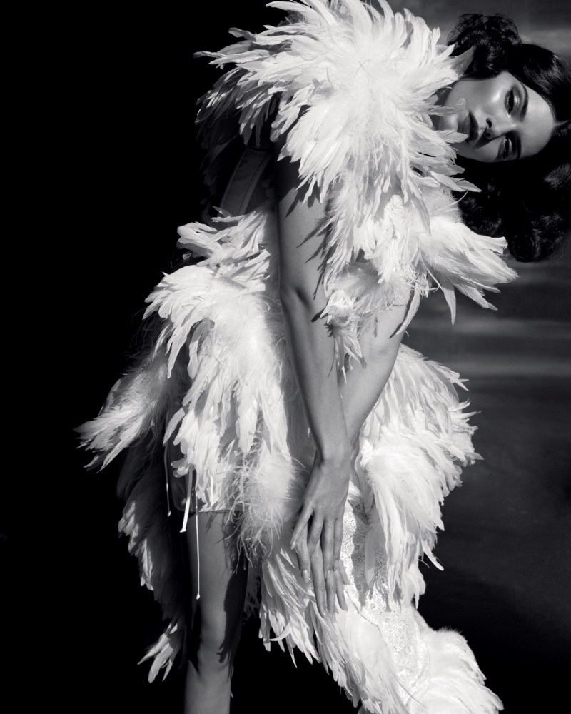 Kendall-Jenner-Alasdair McLellan for LOVE-Magazine-Cover-Photoshoot  (21).jpg