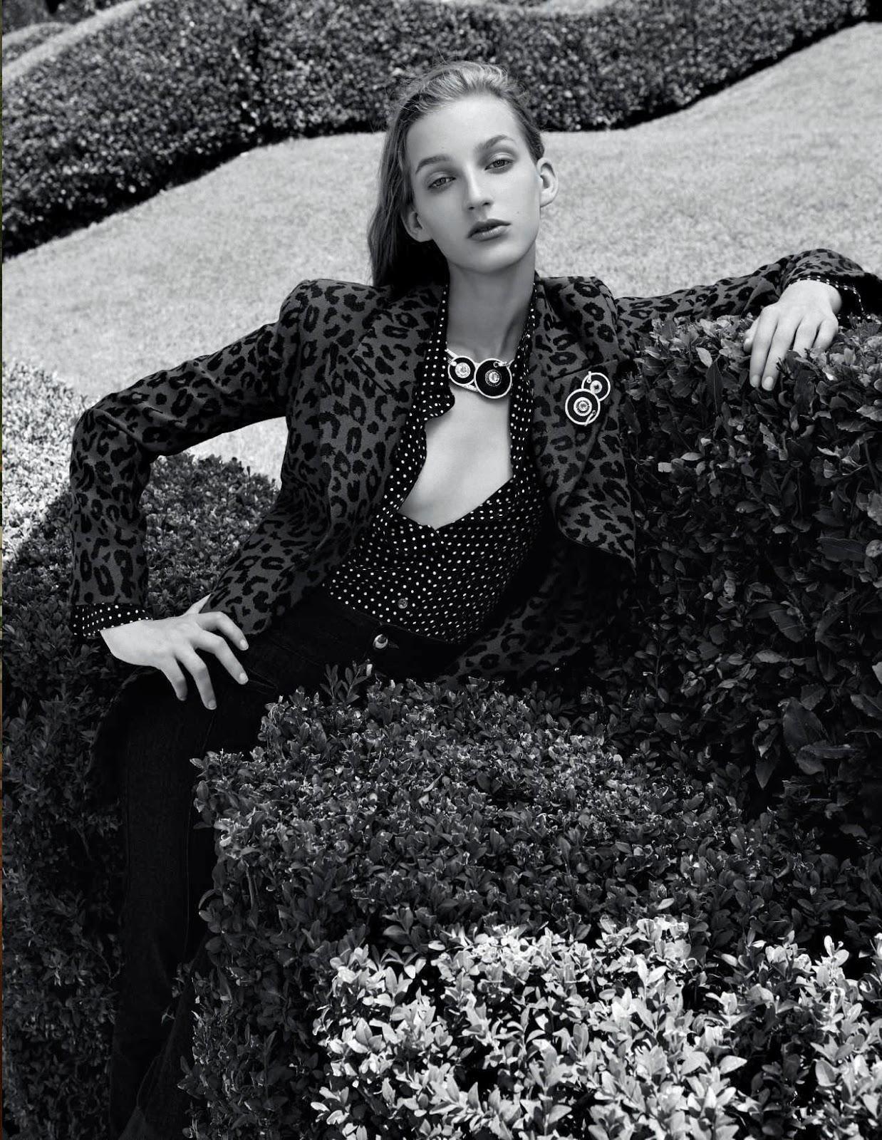 Kira Alferink by Mark Pillai for Elle Italia Sept 2018 (4).jpg