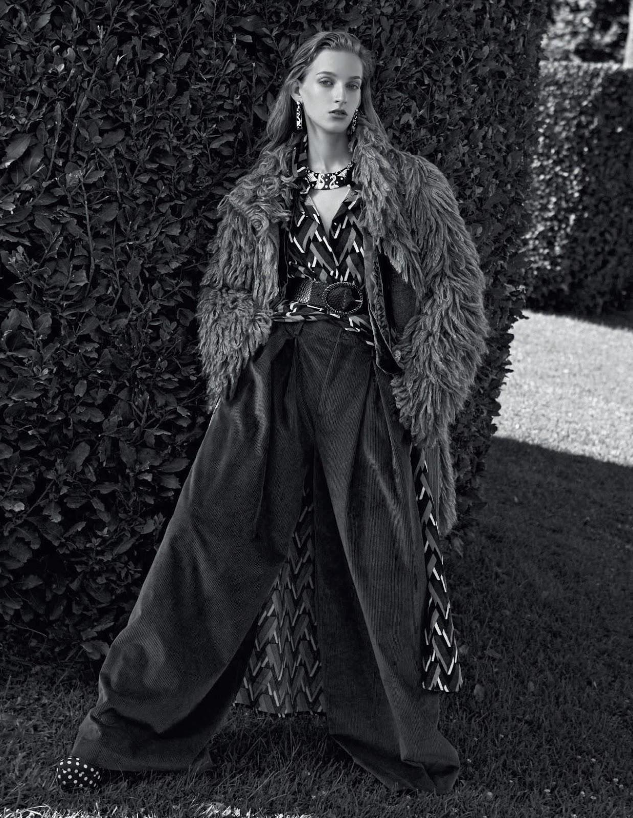 Kira Alferink by Mark Pillai for Elle Italia Sept 2018 (7).jpg