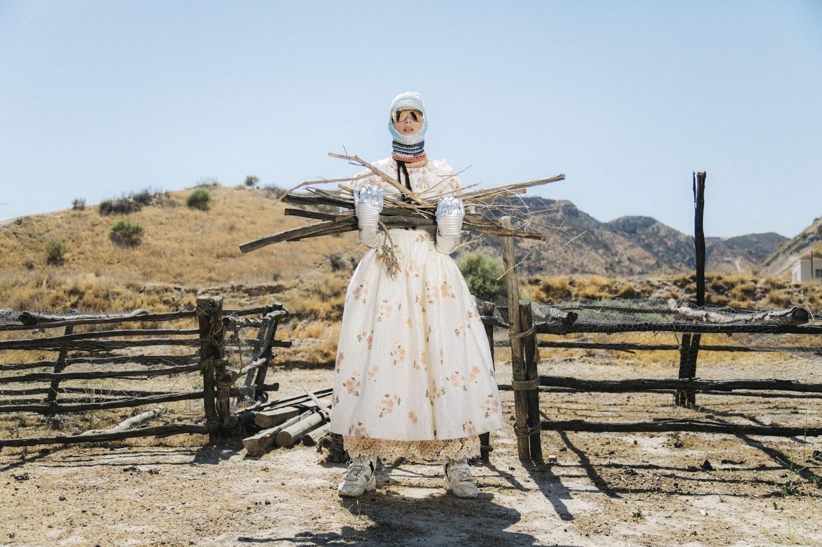 Charlee Fraser by Cole Sprouse for Elle US Sept 2018 (2).jpg