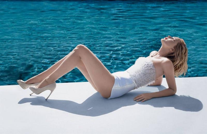 Jennifer-Lawrence-Dior-Joy-Perfume-Campaign01.jpg