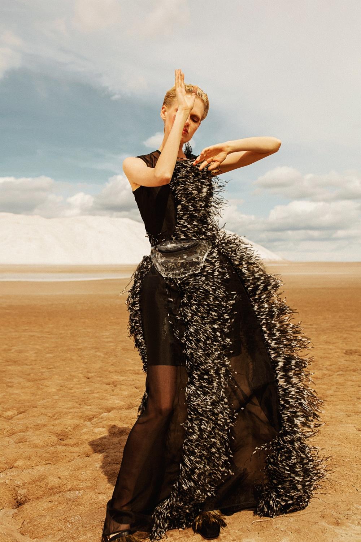Anastasia Fursova by Daria Kozak for Vogue-Poland (3).jpg