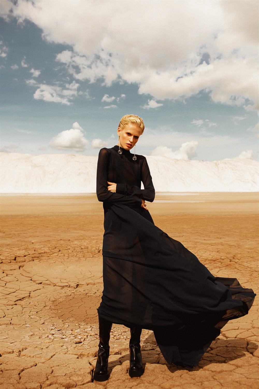 Anastasia Fursova by Daria Kozak for Vogue-Poland (6).jpg