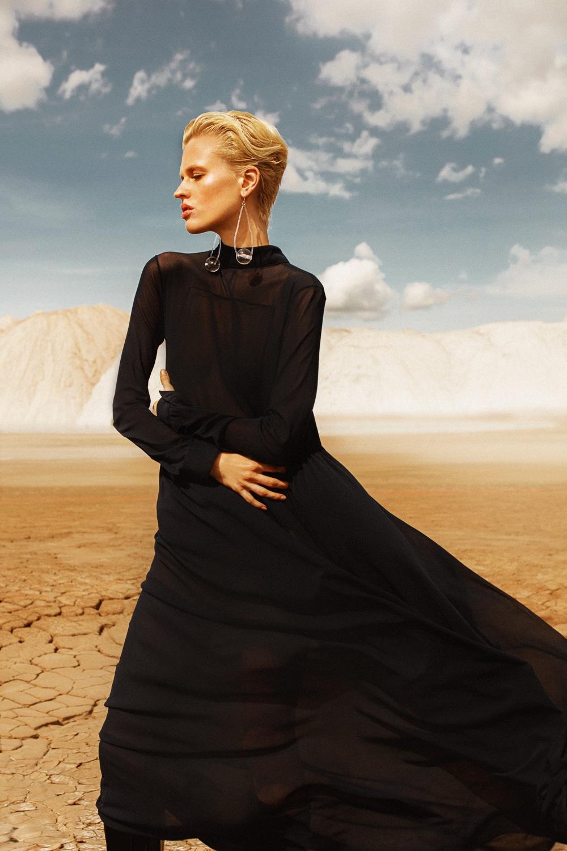 Anastasia Fursova by Daria Kozak for Vogue-Poland (7).jpg