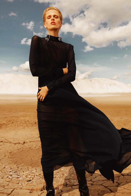 Anastasia Fursova by Daria Kozak for Vogue-Poland (8).jpg