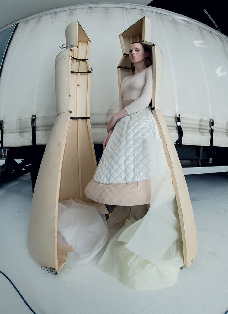 Karen Elson by Tim Walker for Vogue Italia September 2018 (4).jpg