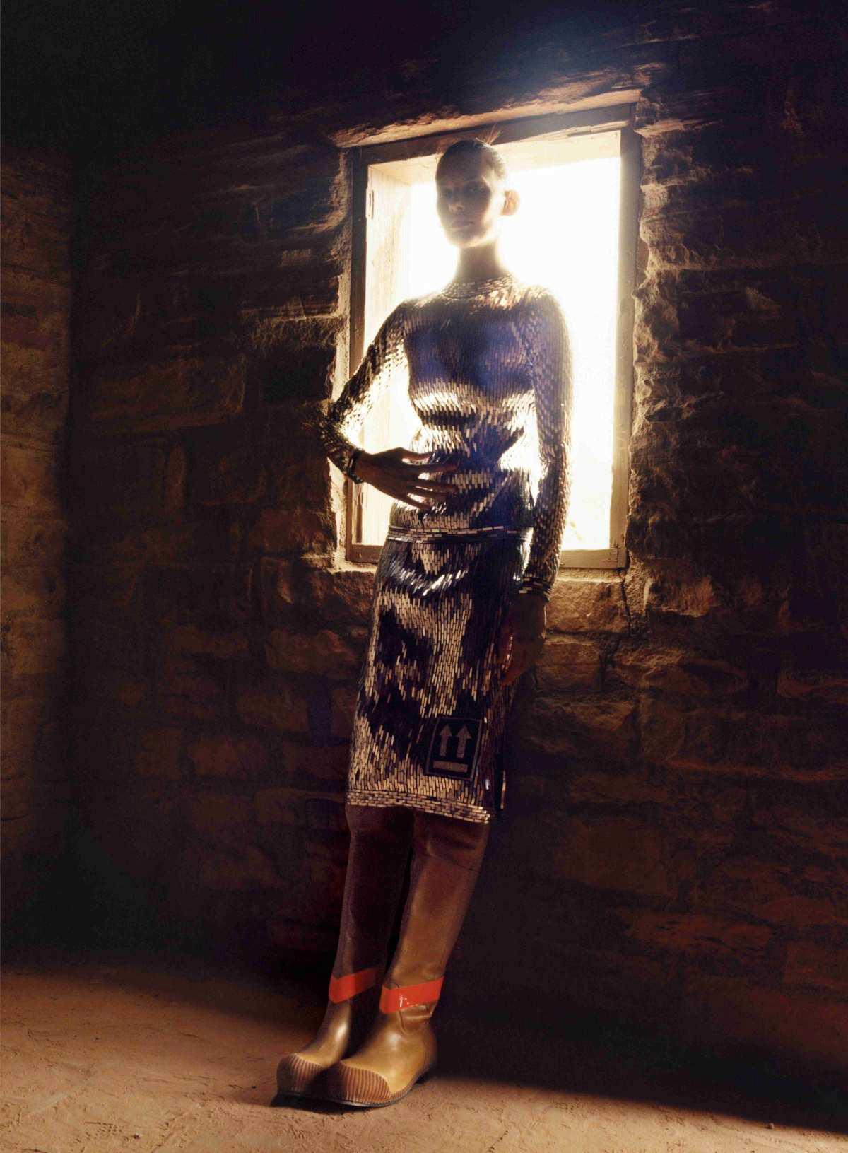 Amanda Murphy Saffron Vadher by Jamie Hawkesworth for Vogue US Oct 2018 (5).jpg