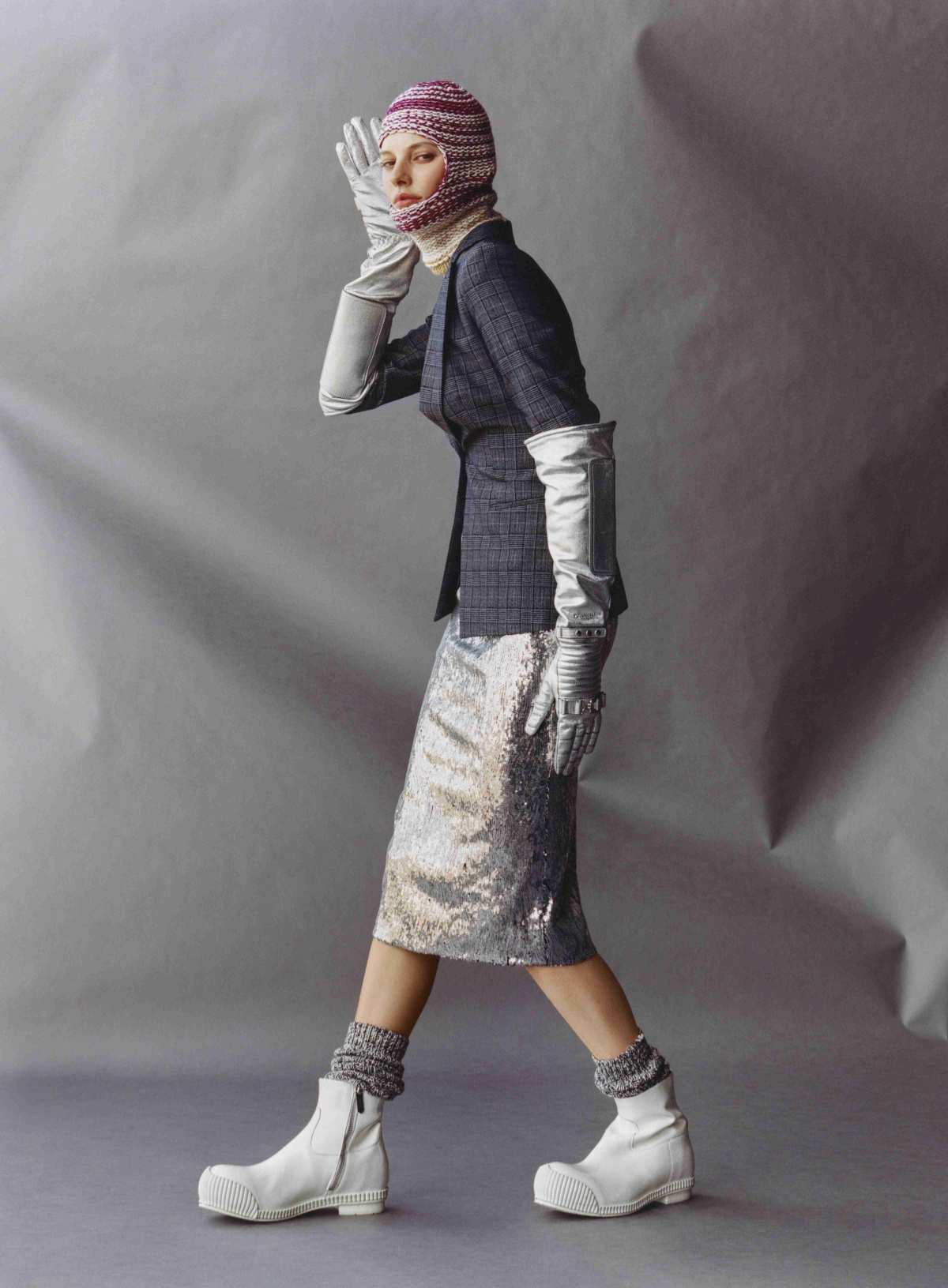 Amanda Murphy Saffron Vadher by Jamie Hawkesworth for Vogue US Oct 2018 (2).jpg