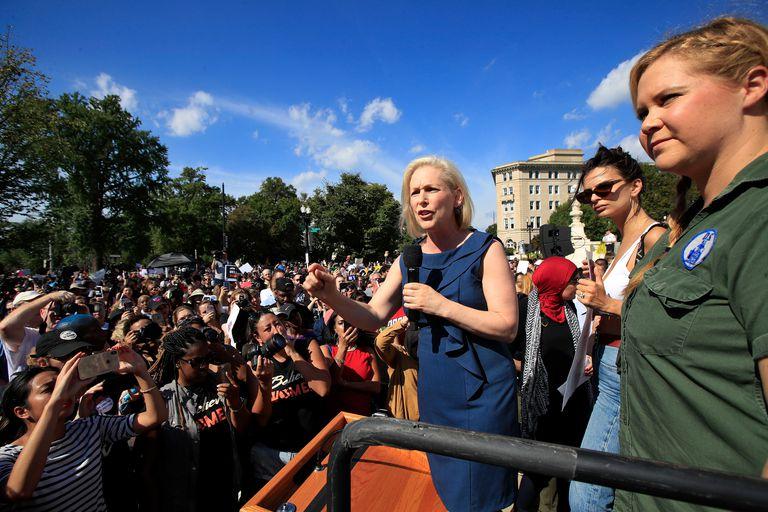 Ratajkowski and Schumer joined Gillibrand to address DC crowd.jpg