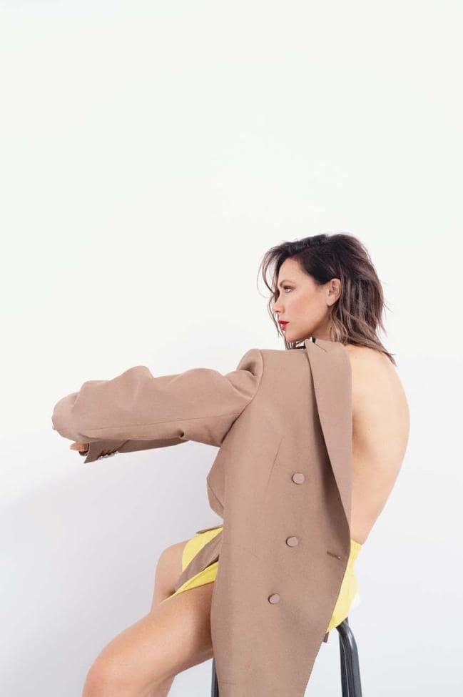 Victoria Beckham by Bibi Cornejo Borthwick for Vogue Australia November 2018 (9).jpg