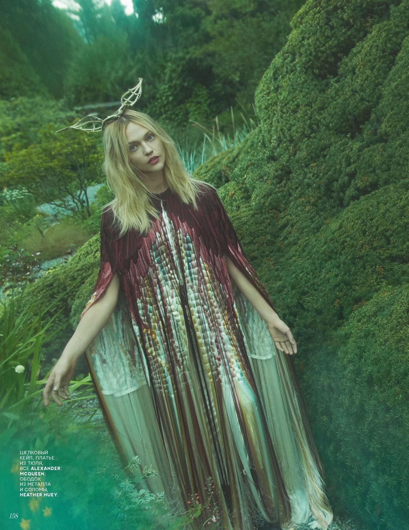 Sasha Pivovarova by Emma Summerton Vogue Russia November 2018 (5).jpg