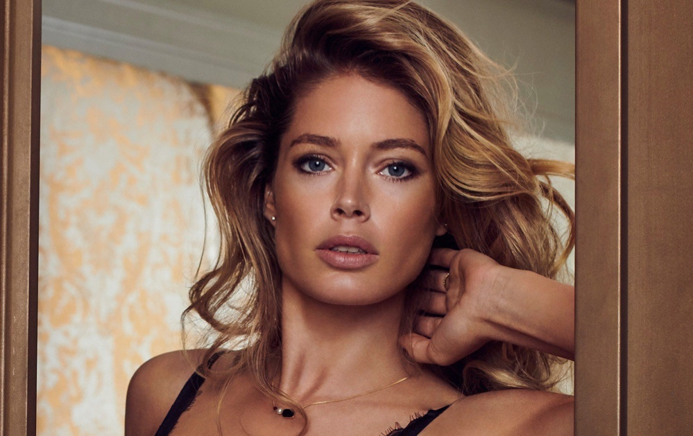 Doutzen Kroes in Hunkemöller for Doutzens-Stories Collection Fall 2018 (2).jpg