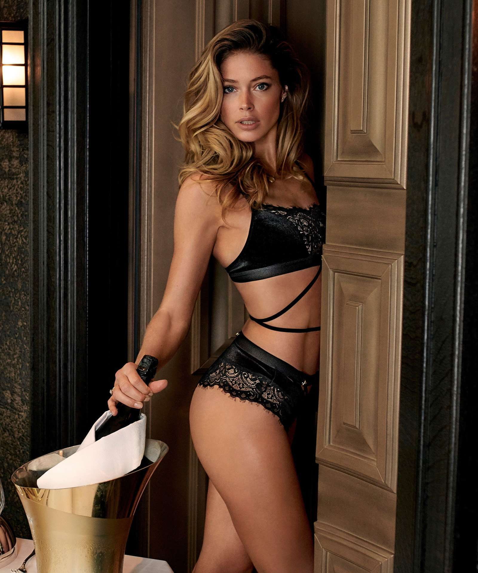 Doutzen Kroes in Hunkemöller for Doutzens-Stories Collection Fall 2018 (8).jpg