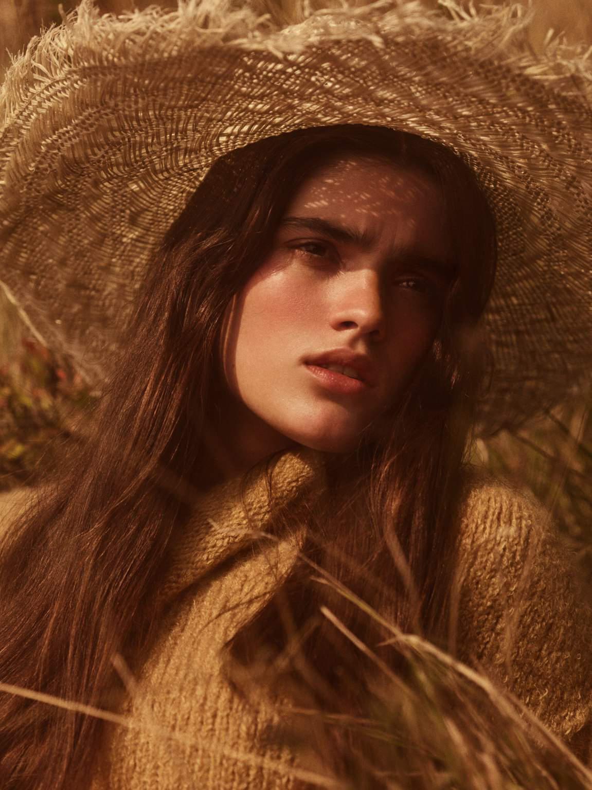 Alexandra Micu by Gregory Harris for Vogue Paris November 2018 (3).jpg