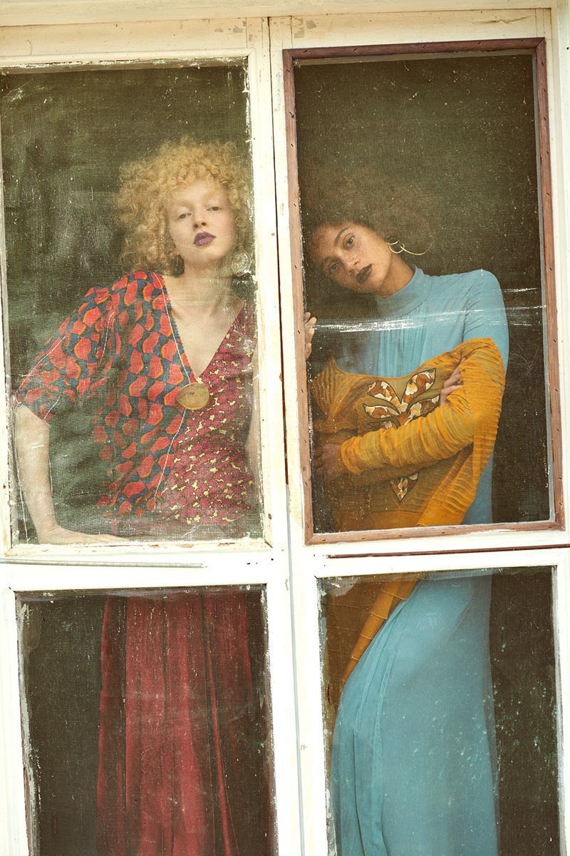 Thais Borges and Catriona Frean in Mojeh Magazine (7).jpg