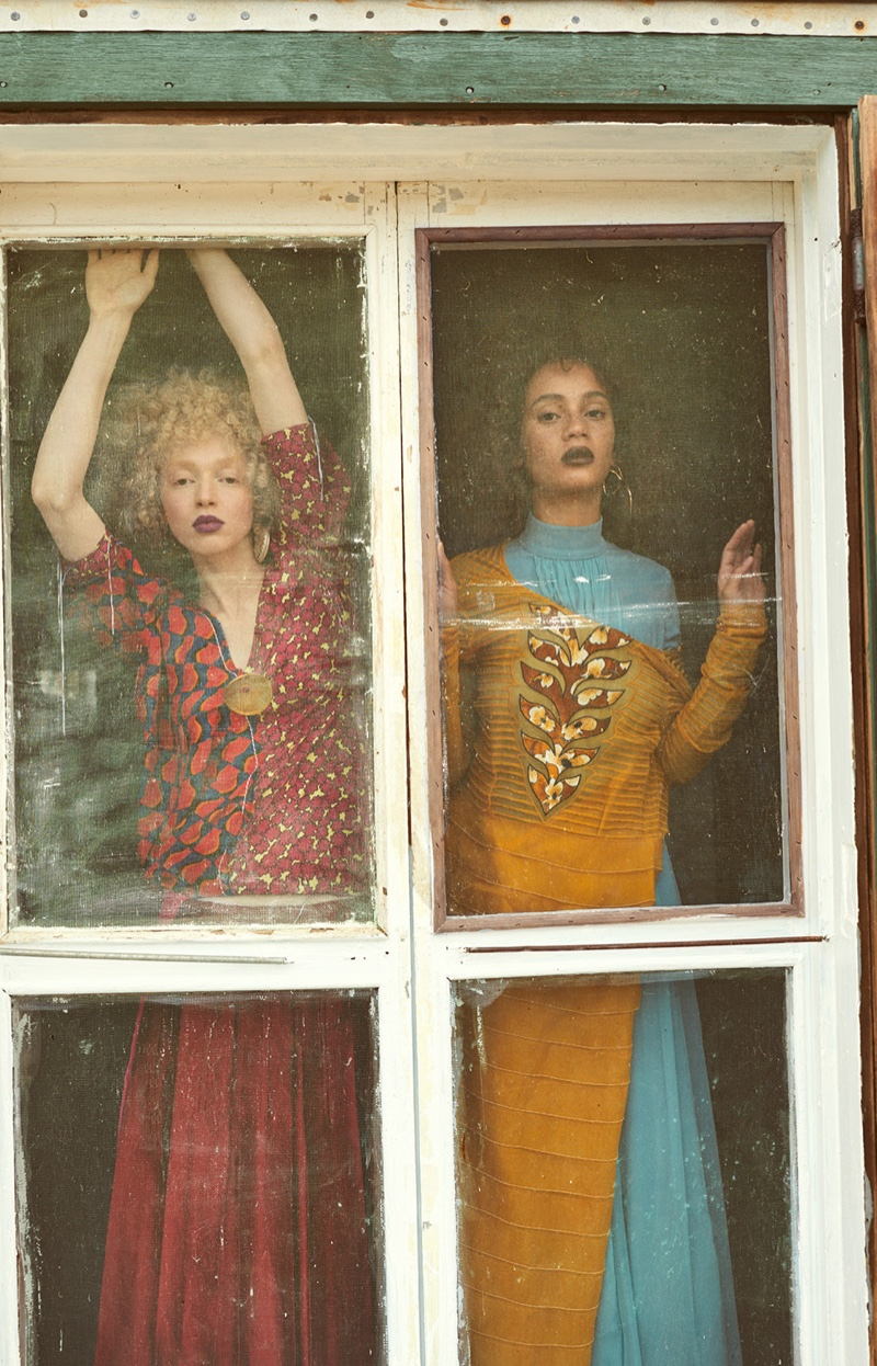 Thais Borges and Catriona Frean in Mojeh Magazine (8).jpg