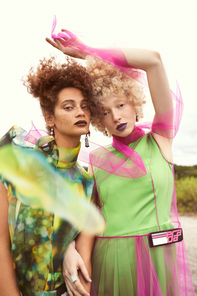 Thais Borges and Catriona Frean in Mojeh Magazine (14).jpg