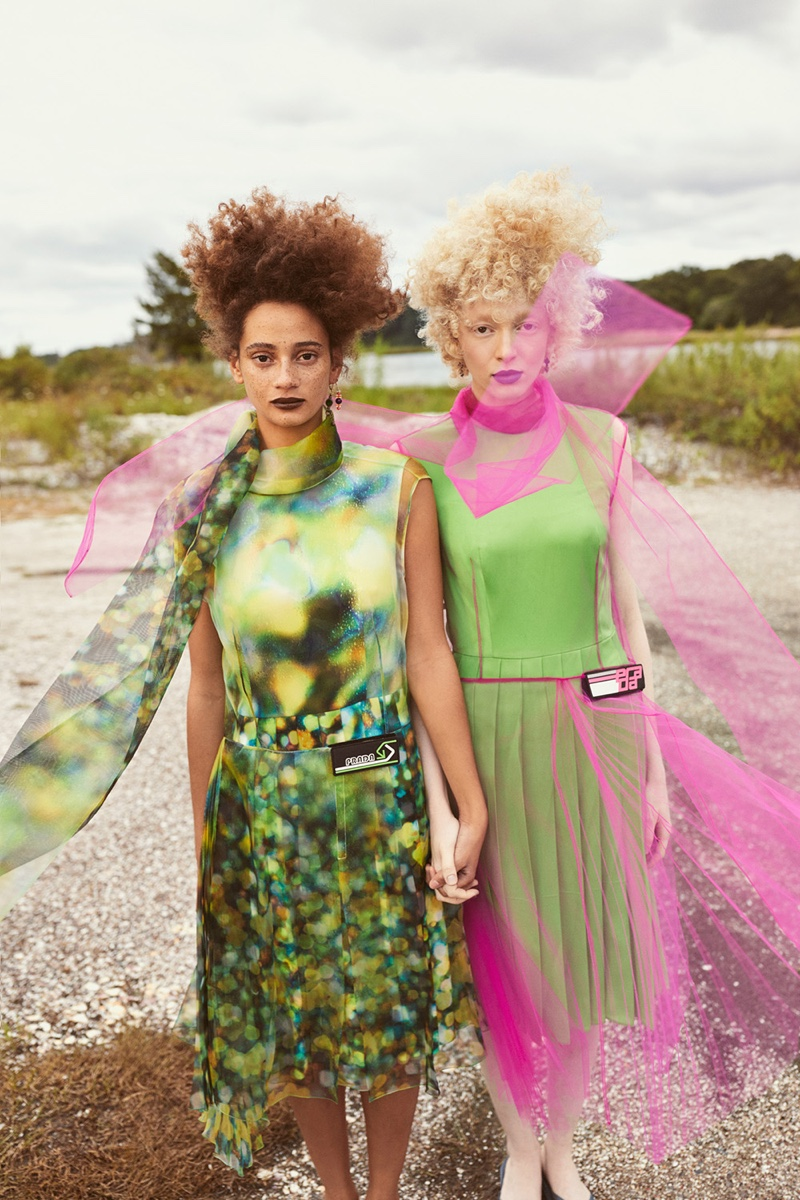 Thais Borges and Catriona Frean in Mojeh Magazine (13).jpg