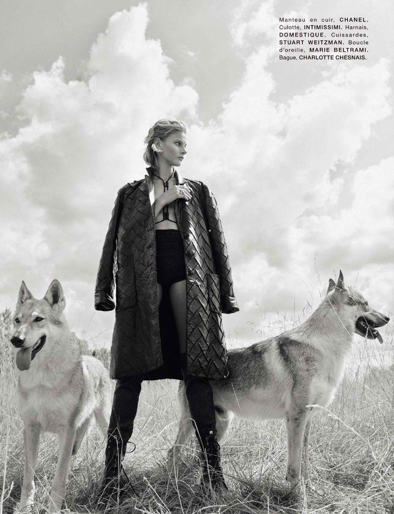 Anna Selezneva by Koto Bolofo for Numero Nov 2018 (7).jpg