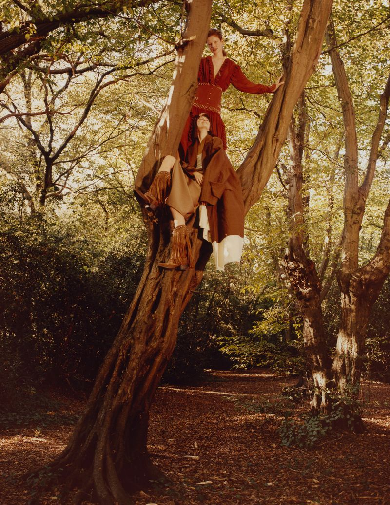 Paolo Zerbini Women on Trees Vogue Ukraine Nov 2018 (12).jpg