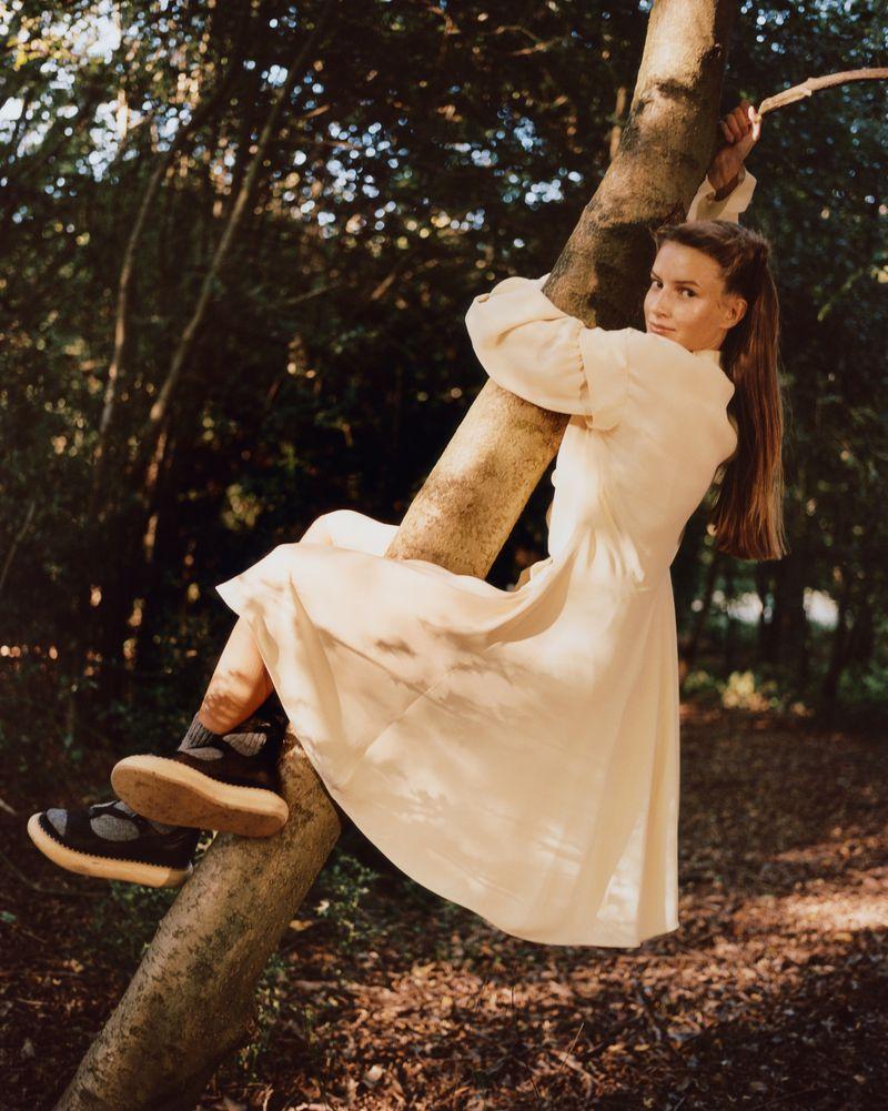 Paolo Zerbini Women on Trees Vogue Ukraine Nov 2018 (2).jpg