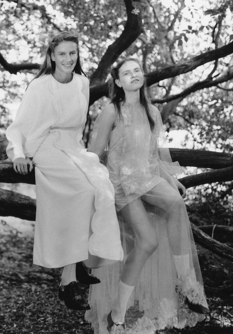 Paolo Zerbini Women on Trees Vogue Ukraine Nov 2018 (3).jpg