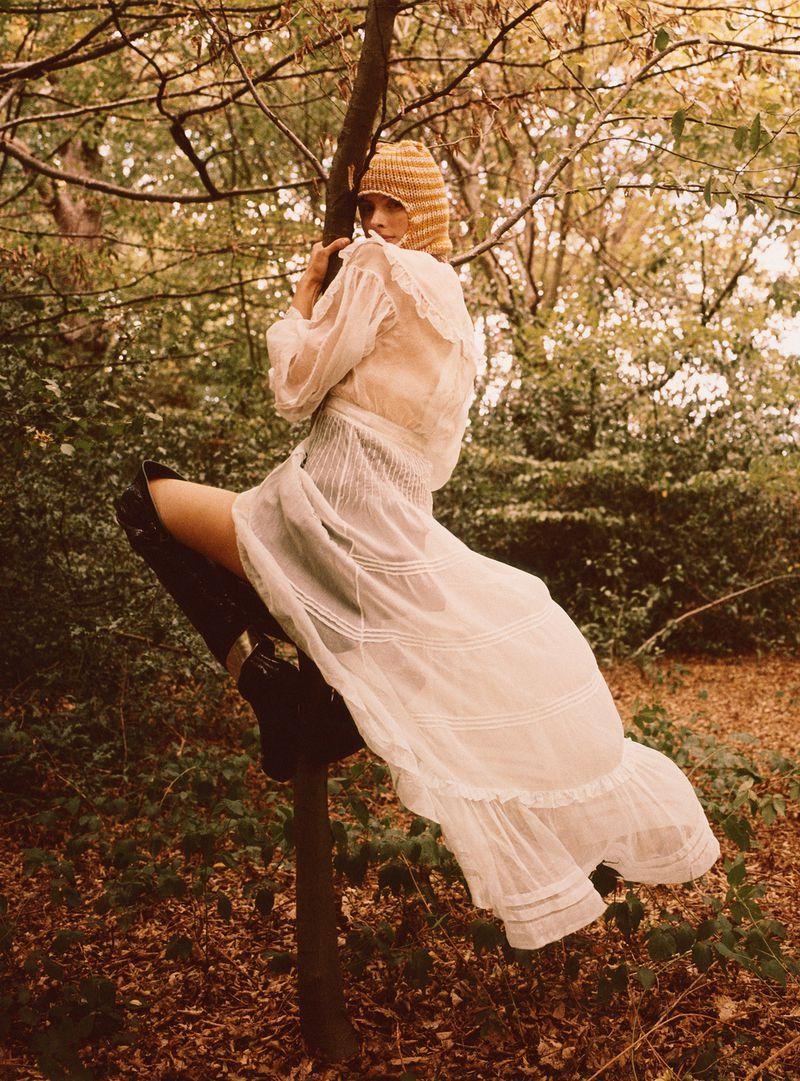 Paolo Zerbini Women on Trees Vogue Ukraine Nov 2018 (6).jpg
