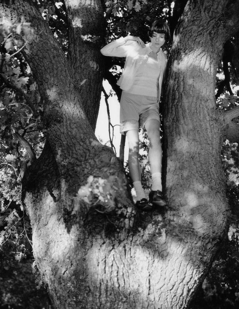 Paolo Zerbini Women on Trees Vogue Ukraine Nov 2018 (9).jpg