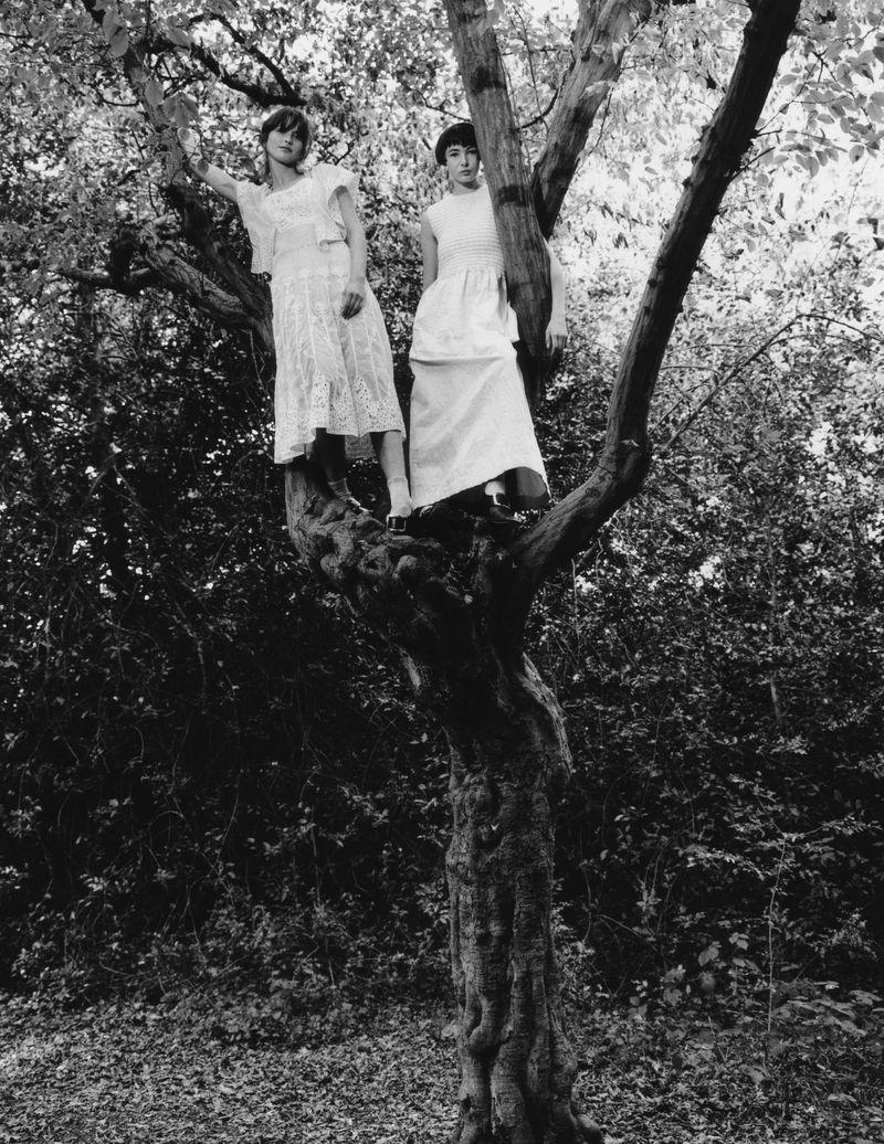 Paolo Zerbini Women on Trees Vogue Ukraine Nov 2018 (11).jpg