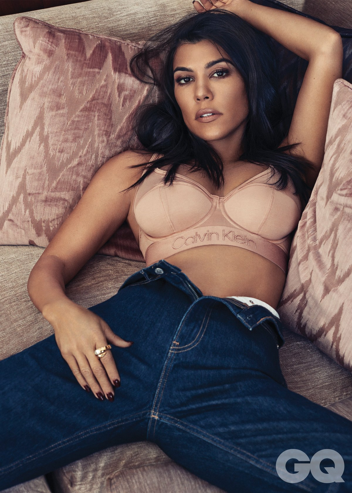 Kourtney Kardashian by Michael Schwartz for GQ Mexico December 2018 (2).jpg