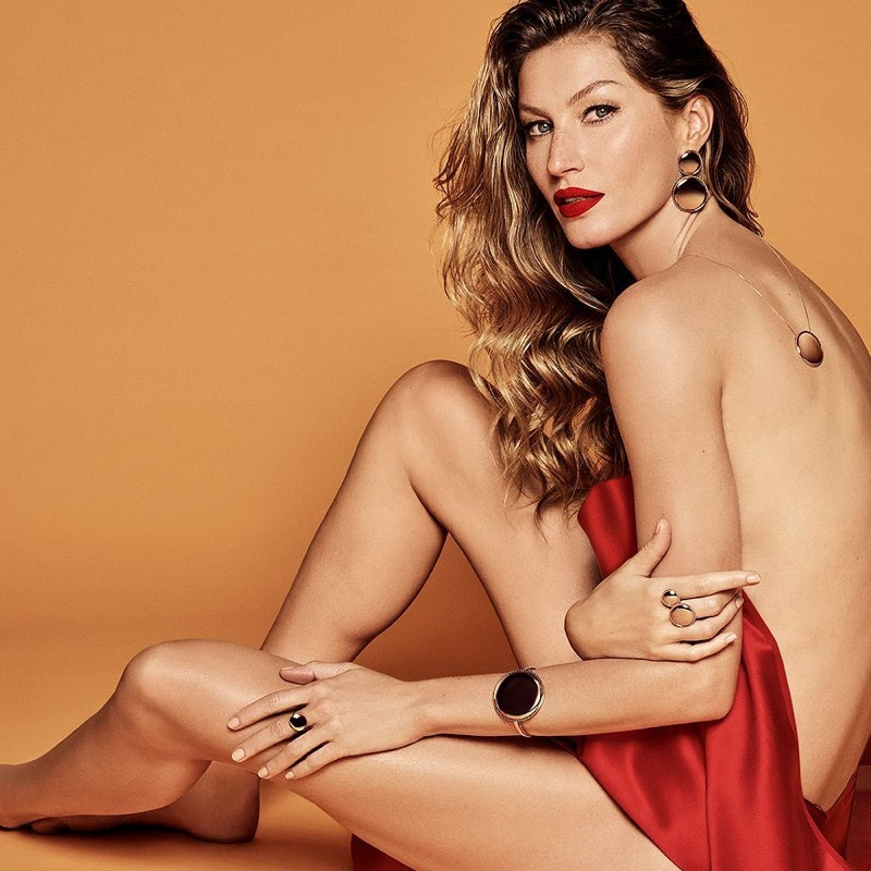 Gisele Bundchen by Luigi + Iango for Vivara Jewelry Xmas 2018 (2).jpg
