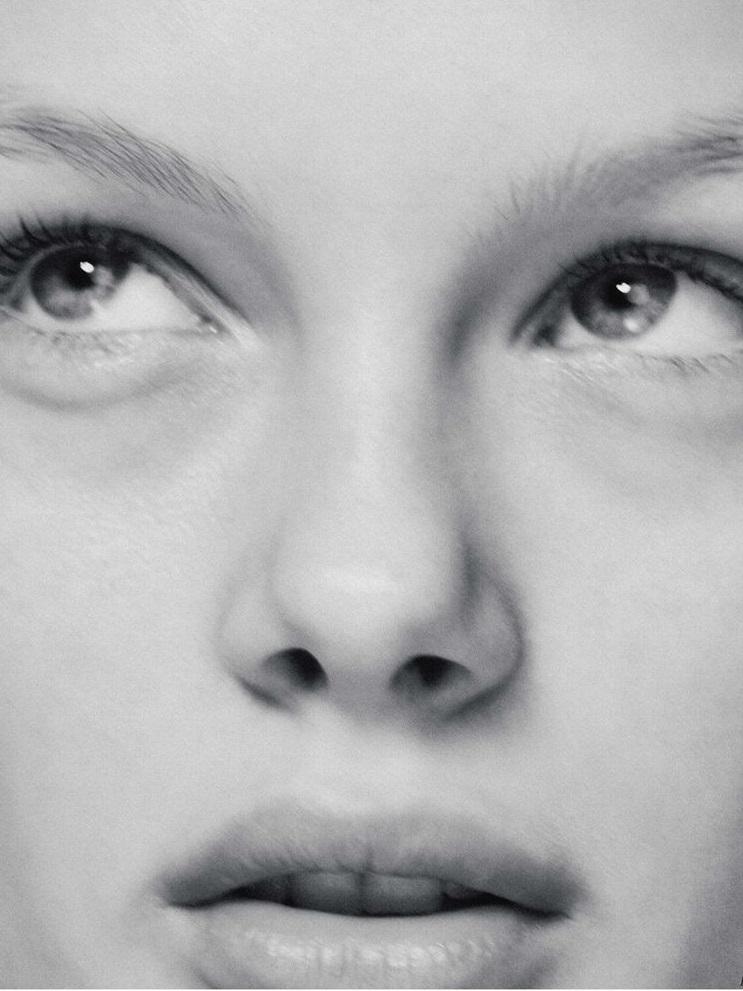 Kris Grikaite by Chris Colls for Vogue Russia Jan 2019 (11).jpg