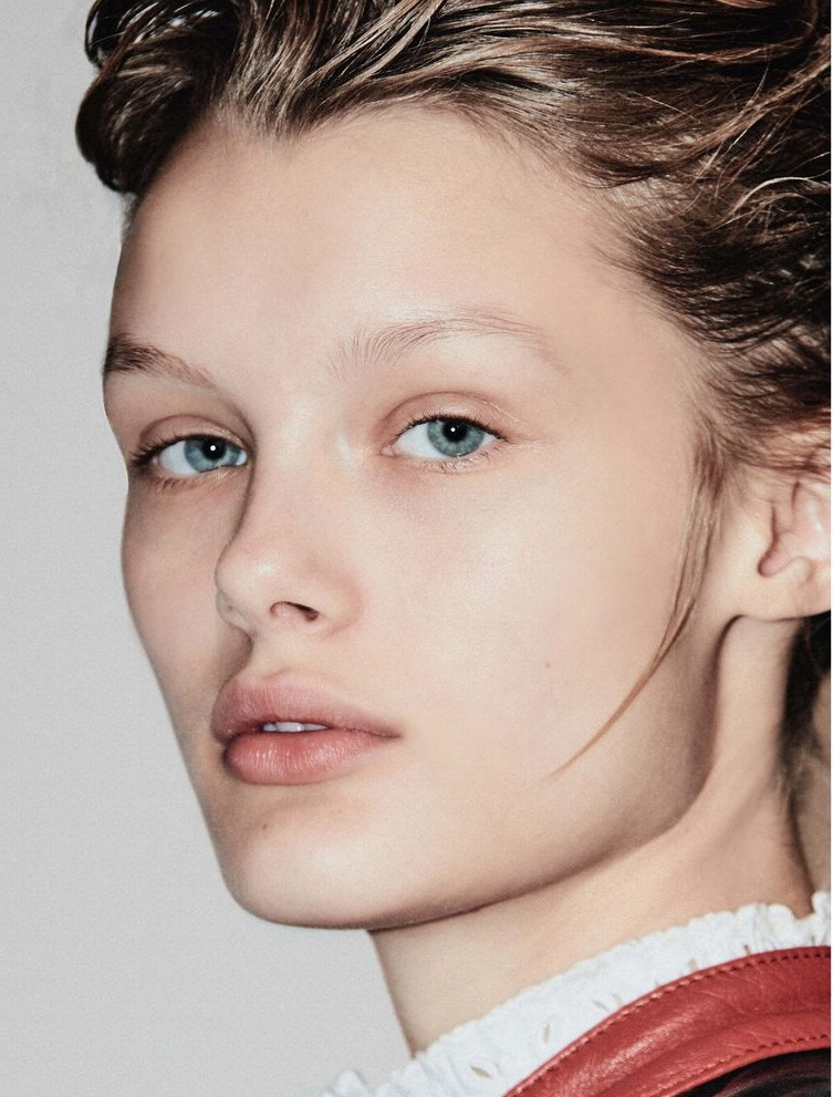 Kris Grikaite by Chris Colls for Vogue Russia Jan 2019 (12).jpg