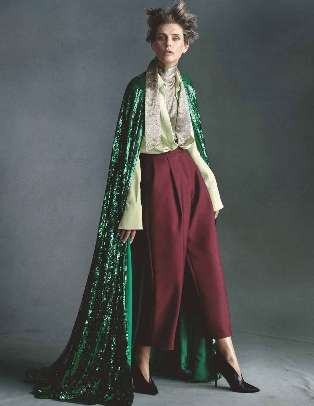 Stella Tennant by Steven Meisel for Vogue UK Dec 2018 (4).jpg