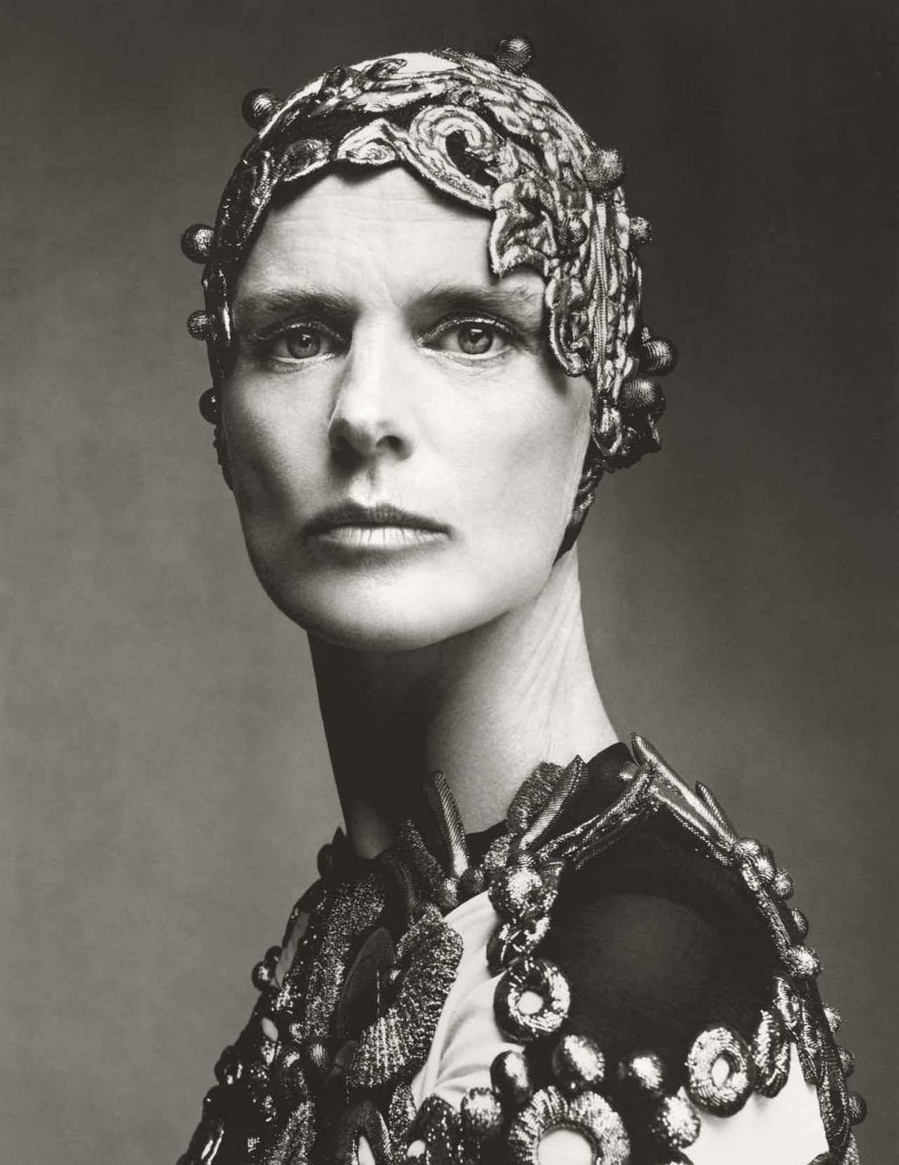 Stella Tennant by Steven Meisel for Vogue UK Dec 2018 (7).jpg