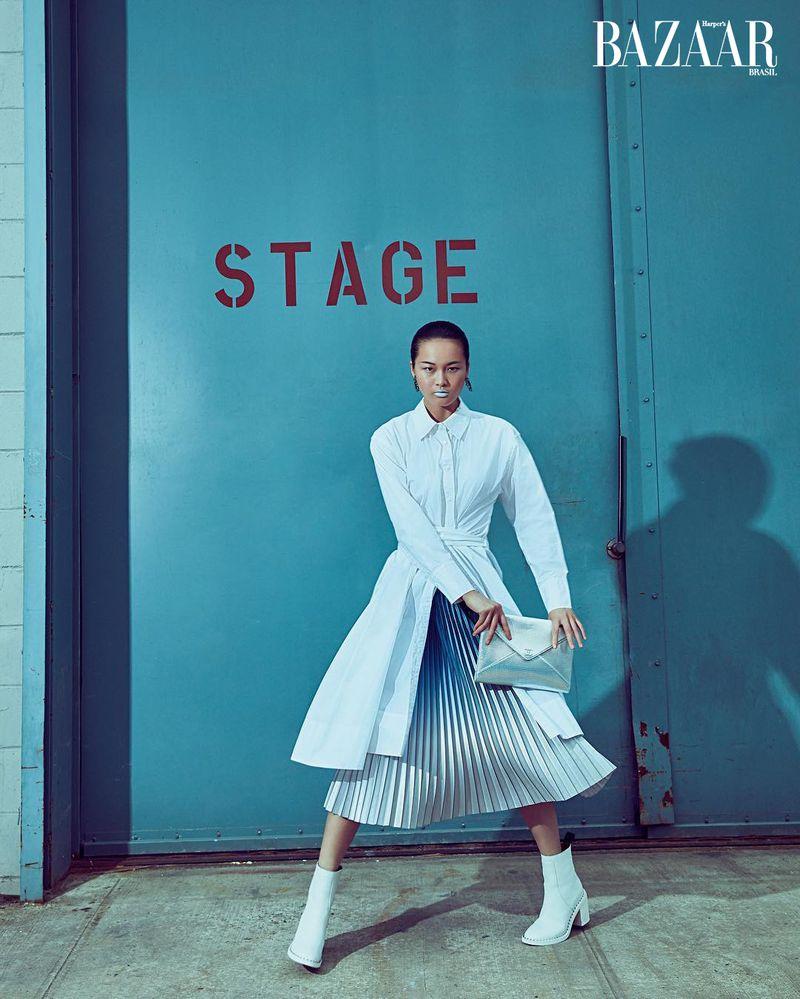 Xin Xiw for Harper's Bazaar Brazil Dec 2019 (4).jpg