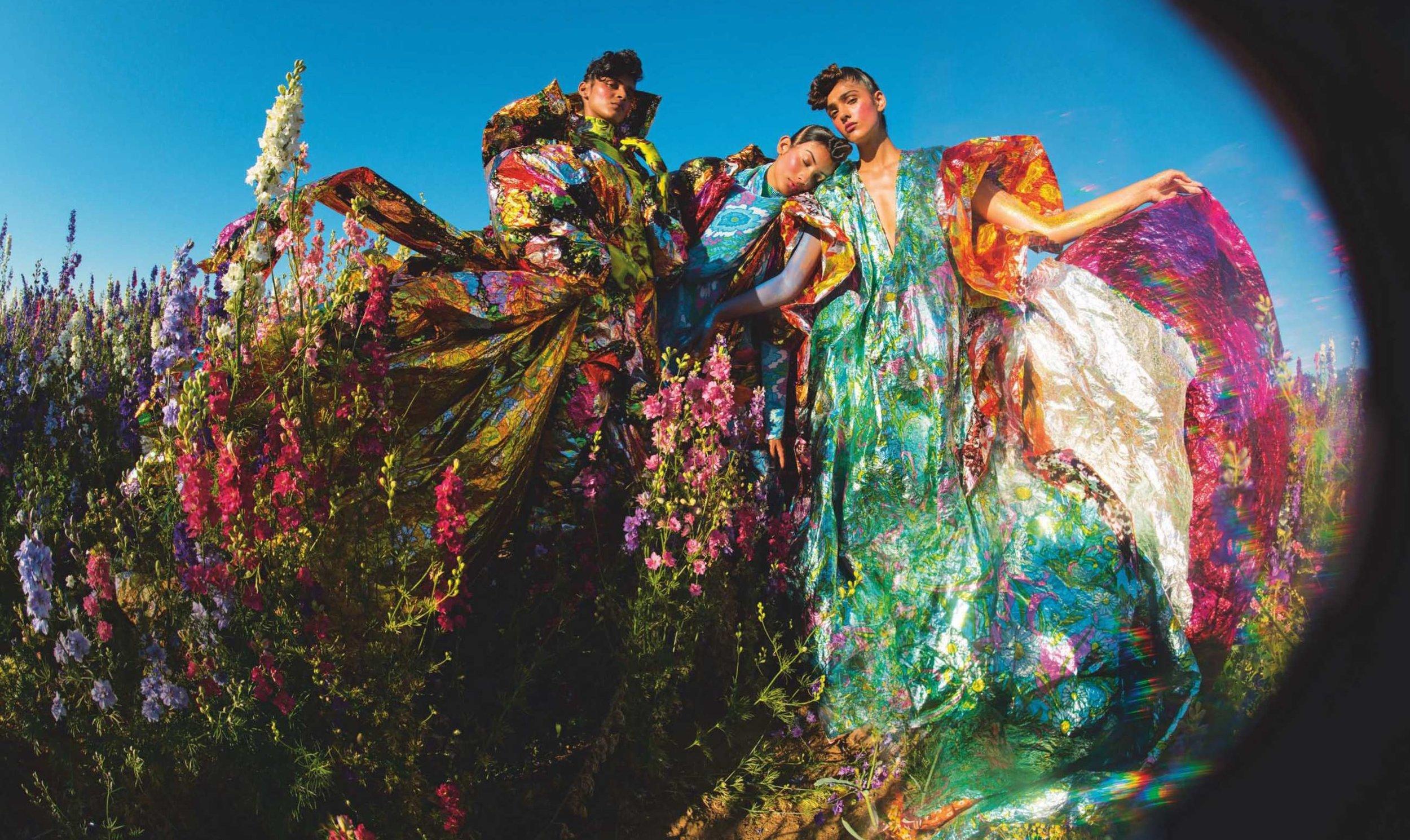 13-Tim Walker Vogue US Dec 2018.jpg