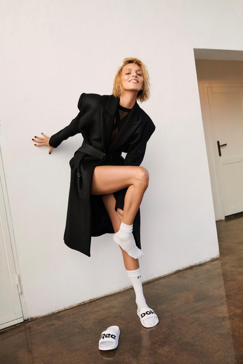 Anja Rubik for Women's Health Poland (1).jpg