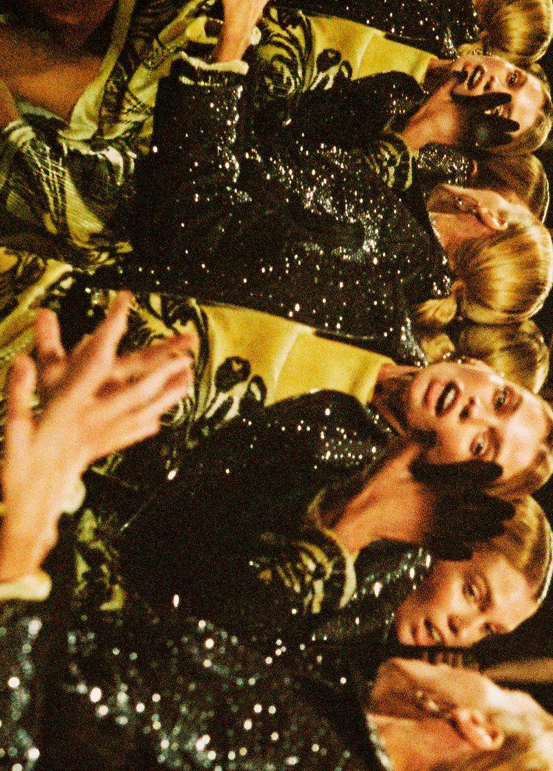 Stella Maxwell by Branislav Simoncik for Vogue Portugal Feb 2019 (3).jpg